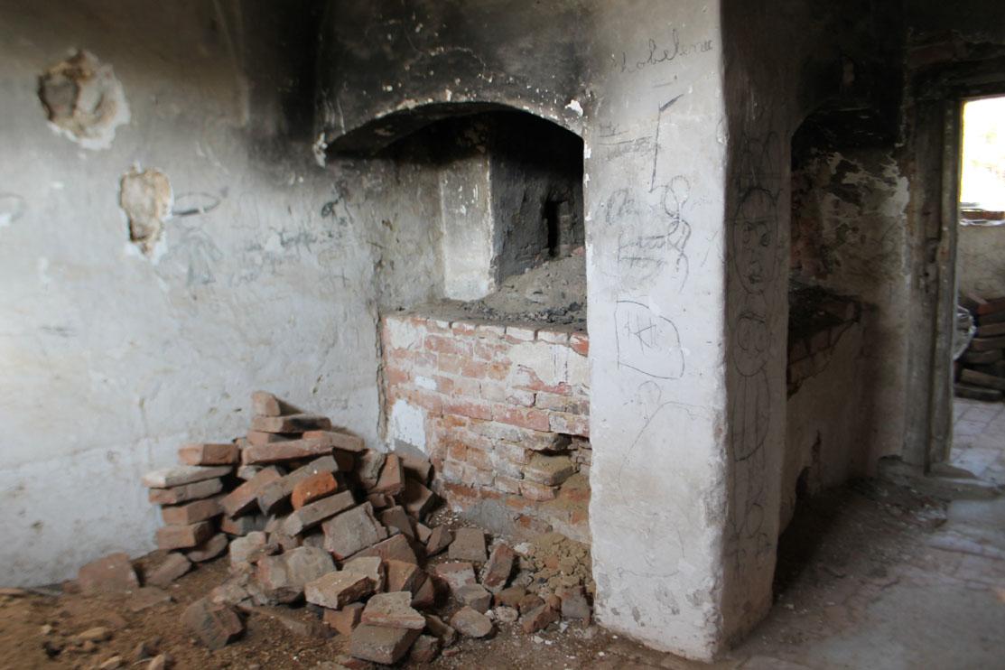 Reise der hutterer delegation 2015 dv r alinkov tschechien for Gemauerte feuerstelle